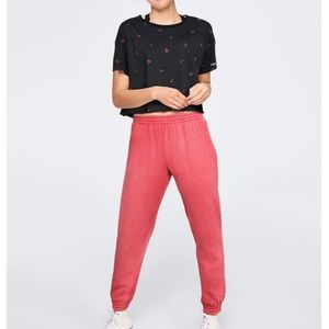 VS PINK Campus Jogger Pin-Up Red Washed